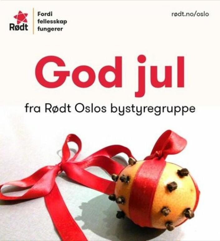 Med nellikspiker i en appelsin sender Rødt julehilsen til alle som jobber med å holde hjulene i gang i høytiden. Foto: Rødt