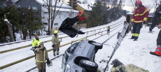 Glatte veier skaper vanskelige kjøreforhold på Østlandet