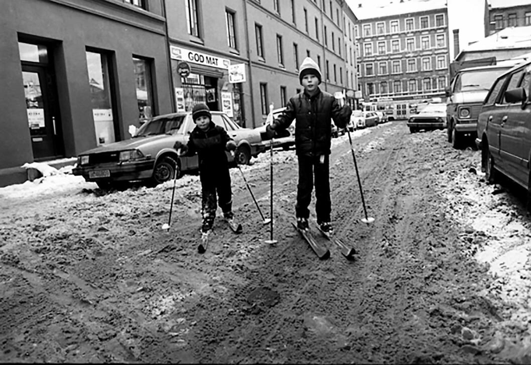 Slik husker jeg gata mi fra vinteren. Foto: Åsmund Lindal/Oslo Byarkiv