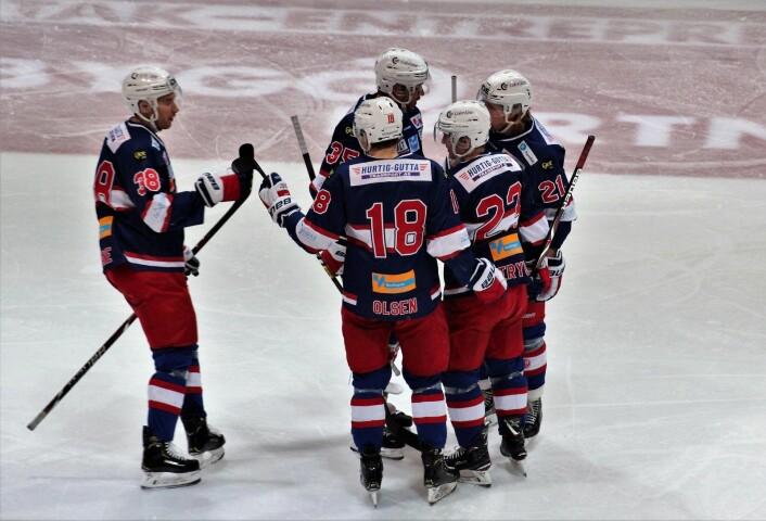 Mats Trygg (33) åpner scoringskontoen denne kvelden. Foto: André Kjernsli