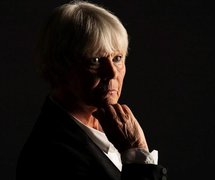 � Det er en fordel å ha livserfaring, forteller Grete Horntvedt. Men hun nekter å røpe noe om hvem som er den ultimate agent i NRK-serien ved samme navn. Foto: NRK / STRIX