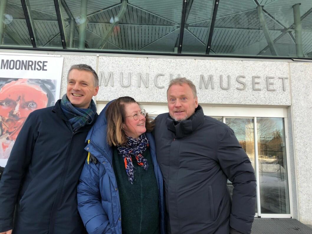 Næringsbyråd Kjetil Lund, teatersjef Hanne Tømta og byrådsleder Raymond Johansen gleder seg over løsningen for Munchmuseet. Foto: Ninja Sandemose