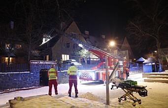 Kvinne til sykehus etter brann i Ullevål Hageby. Brannen er slukket, men 16 personer ble evakuert