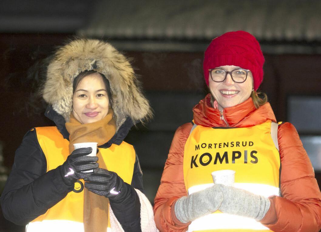 Nyong Truong og Lois Lund Rabe er to av naboene som støtter initiativet Mortensrudkompis. Foto: Olga Andresen