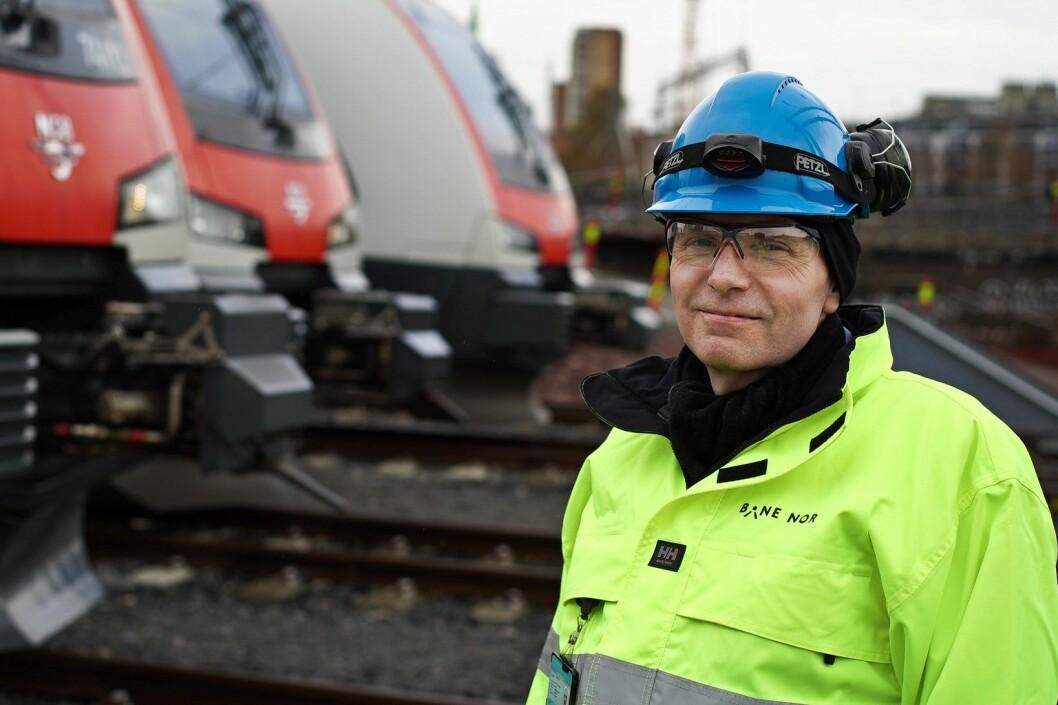 Gorm Frimannslund, konserndirektør i Bane NOR, er lei seg over forsinkelsen. Foto: Bane NOR