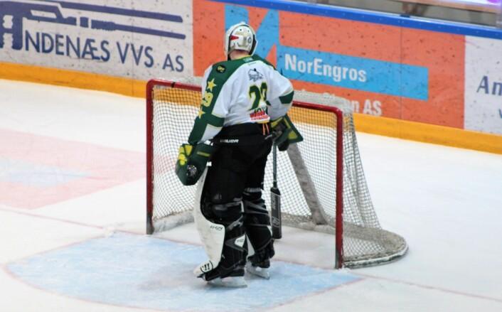 MS-keeper Joyce måtte plukke tre pucker ut av eget mål i midtperioden. Foto: Andrè Kjernsli