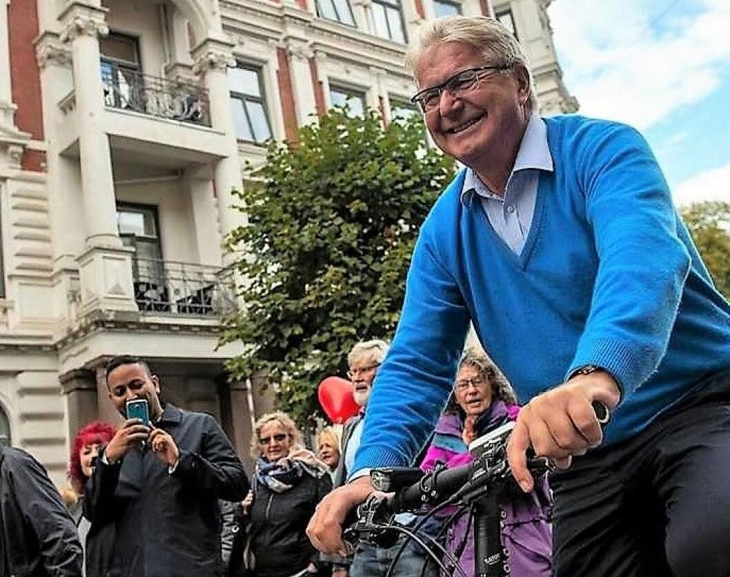 Oslos tidligere ordfører Fabian Stang fotografert da han demonstrerte mot flytting av trikken fra Inkognitogaten til Skovveien på Frogner. Foto: Morten Lauveng Jørgensen