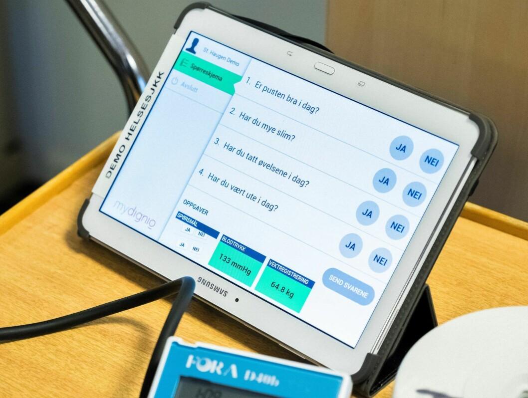 Det finnes mye digital helseteknologi som allerede benyttes i hjemmetjenesten. Men SVs Ivar Johansen spør i debattinnlegget om Oslo kommune kan lære av private som for eksempel leverer matvarer på døra. Illustrasjonsfoto: Ole Gunnar Onsøien / NTB Scanpix