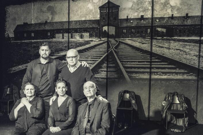Bak f.v: Ronny Patrick Jacobsen og Bentein Baardson. Foran f.v: Kjersti Fjeldstad, Ipek D. Mehlum og Eitan Zuckermann. Foto: Dag Jenssen