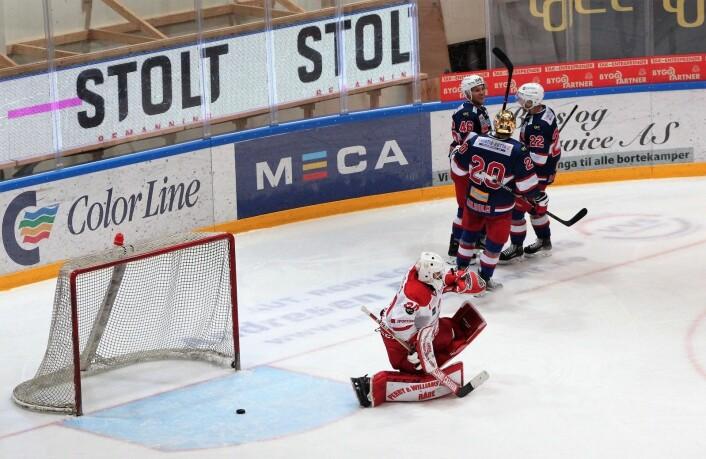 Vålerenga og GET-ligaens tre beste poengplukkere feirer nok et mål. Foto: André Kjernsli