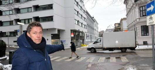 Fjernet p-plasser og bygde sykkelvei i Eilert Sundts gate. Resultatet ble flere lastebiler og færre syklister