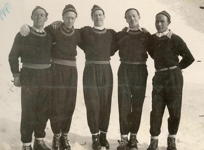 Hoppgutta 1948, fra venstre: Arne Knutsen, Olaf Larsen, Ragnar Linden, ukjent og Ola Pedersen.