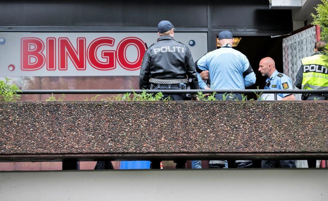 I alt ble åtte menn dømt til mellom to års og tre og et halvt års fengsel for et macheteangrep på en mann i 20-årene inne på Ensjø Bingo sommeren 2017. Bingolokalene ligger rett ved Ensjø T-banestasjon. Foto: Berit Roald / NTB scanpix