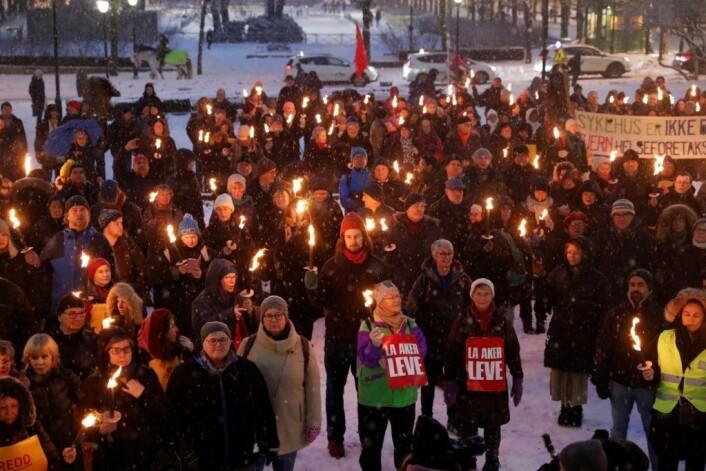 Engasjementet for å redde Ullevål sykehus er stadig økende blant osloborgerne. Her fra en demonstrasjon utenfor Stortinget tidligere denen måneden. Foto: Terje Bendiksby / NTB scanpix