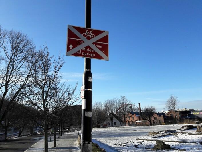 Gang og sykkelveien fra Saxegårdsgate til Middelalderparken er også stengt.Foto: Anders Høilund