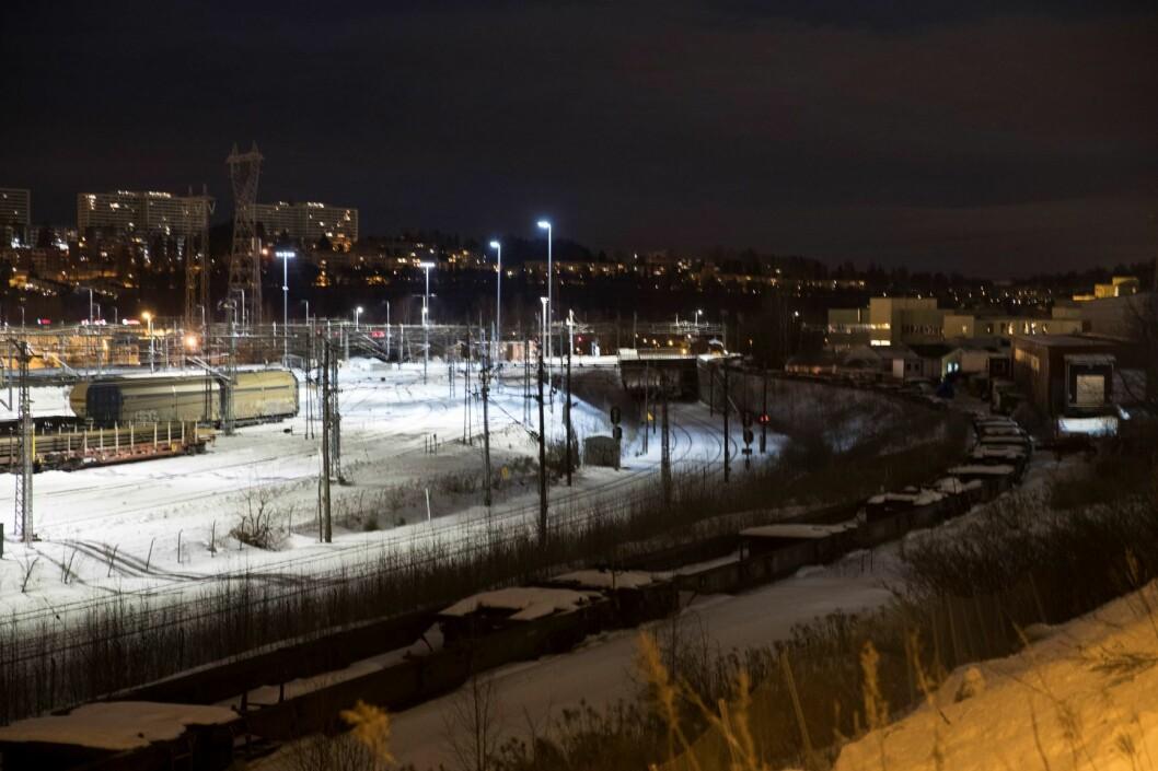 To personer omkom etter å ha blitt påkjørt av toget på Alnabru. Foto: Terje Bendiksby / NTB scanpix