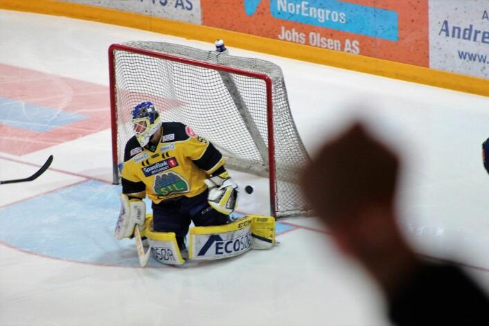 I andre periode scoret VIK to kjappe mål, til publikums store begeistring. Foto: André Kjernsli