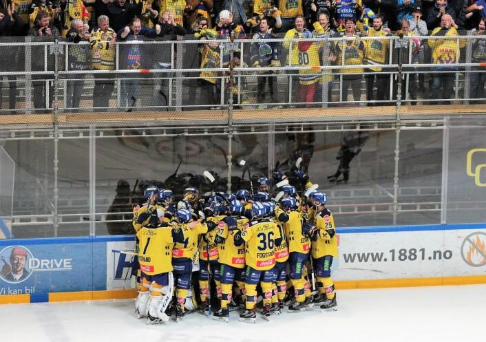 Storhamar kunne til slutt juble for seieren. Foto: André Kjernsli