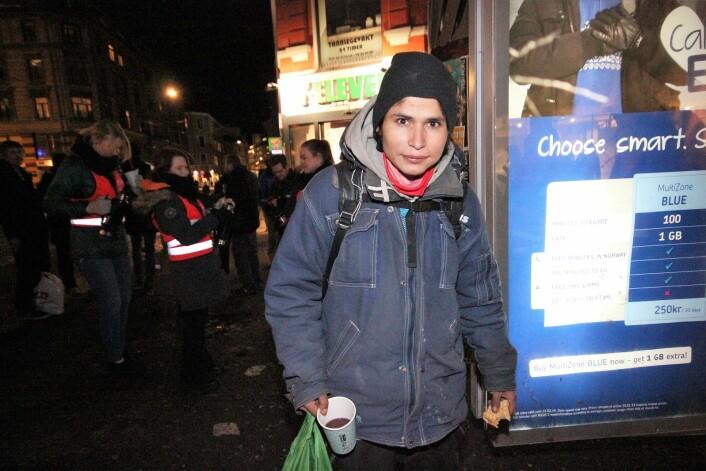 Lars Robin (27) har levd på gata halve livet. Vafler på mandag er et klart høydepunkt i uka, forsikrer han. Foto: André Kjernsli