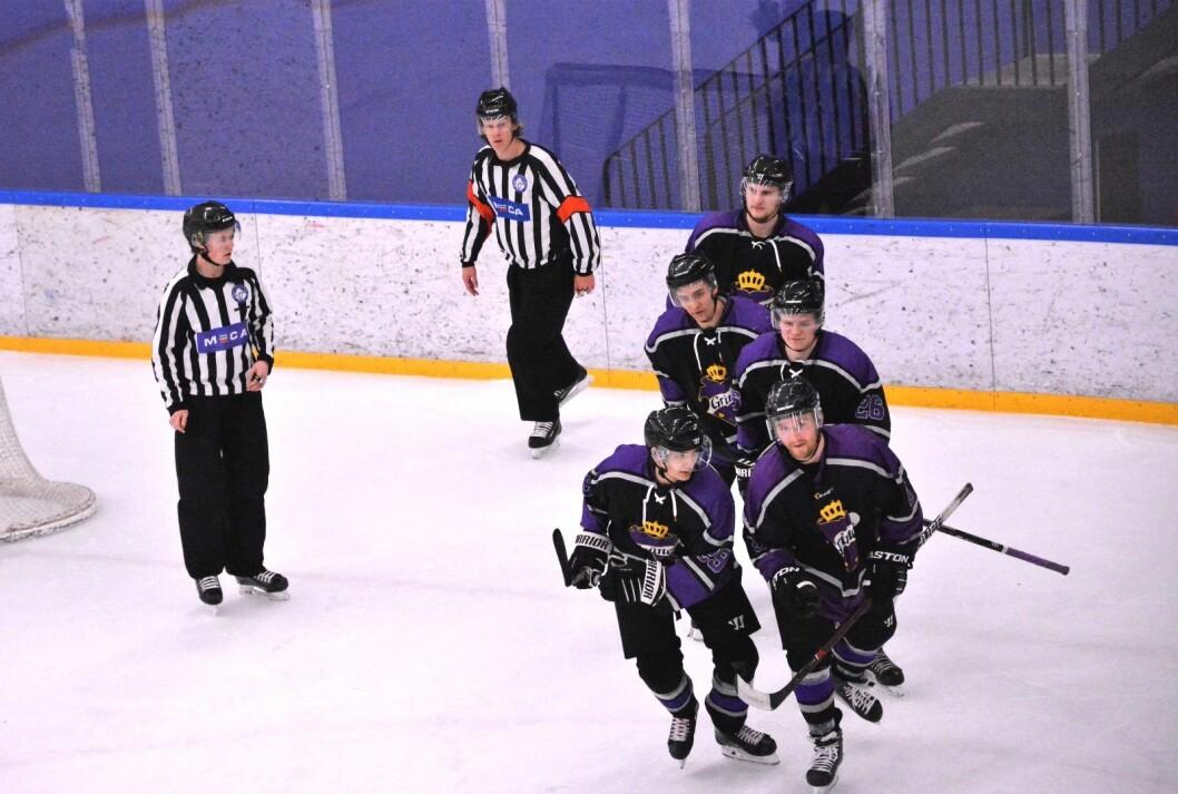 Grüner-toget har full fart mot opprykk til Get-ligaen i ishockey. Nå får de også spille vårens kvalik-kamper hjemme i Grüner ishall. Foto: Christian Boger