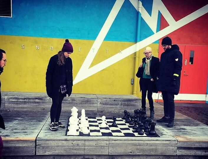 – I Oslo kan mange hundretusener svippe innom rett etter jobb. Ingen andre steder vil kunne vise sjakk på samme måte, sier sjakkdommer Kristoffer Gressli.