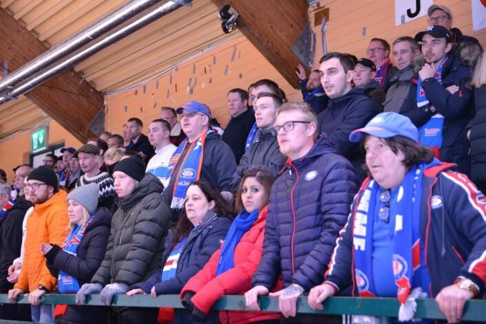 Vålerenga-fansen kunne glede seg over et nytt seriegull i Stjernehallen søndag kveld. Foto: Christian Boger