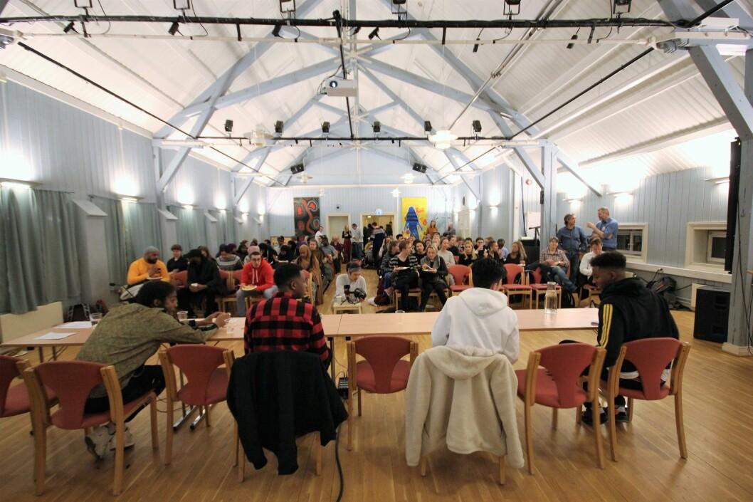 Kveldens møte fylte opp den store salen hos Interkulturelt museum. Foto: André Kjernsli