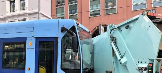Trikk kolliderte med søppelbil i Grensen