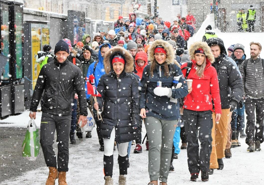 Alt gikk rolig for seg under folkevandringen til Holmenkollen lørdag morgen. Her fra Majorstua t-bane. Foto: Christian Boger
