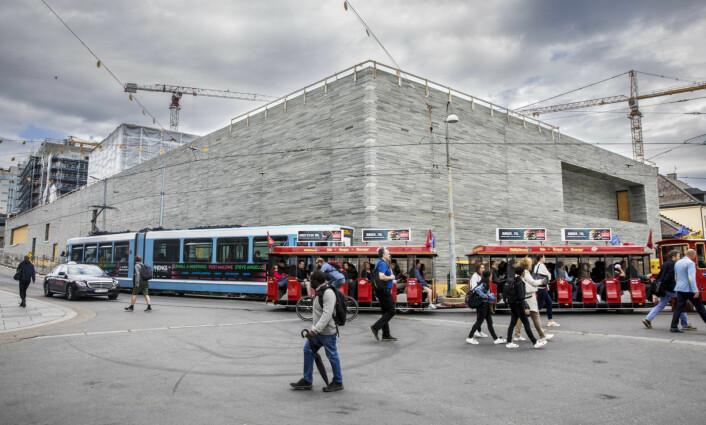 � Selv ikke det nye Nasjonalmuseets arkitekt vil vedkjenne seg den inhumane, mastodontiske klossen, skriver kunsthistoriker Tommy Sørbø. Foto: Ole Berg-Rusten / NTB Scanpix