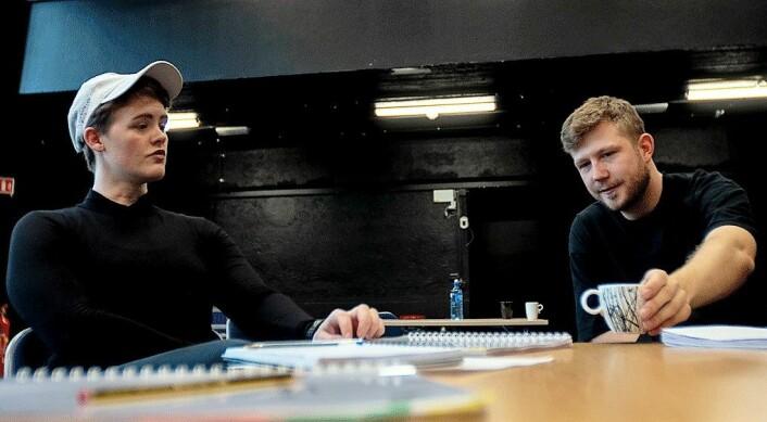— Vi prøver å sette opp stykker som er aktuelle og gjerne litt tabubelagte. Handlingen skal være lagt til Oslo, sier grunnlegger og skuespiller Even Torgan sammen med regissør Karoline Husjord. Foto: Thor Langfeldt