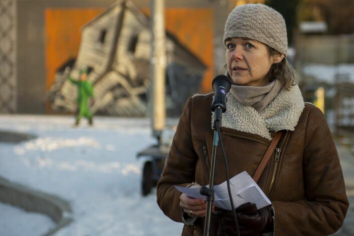 Kamilla Aslaksen var sterkt kritisk til at Gamlebyen ble stående uten vei eller gangveiforbindelse vestover da Bispegata måtte stenges. Foto: Morten Lauveng Jørgensen