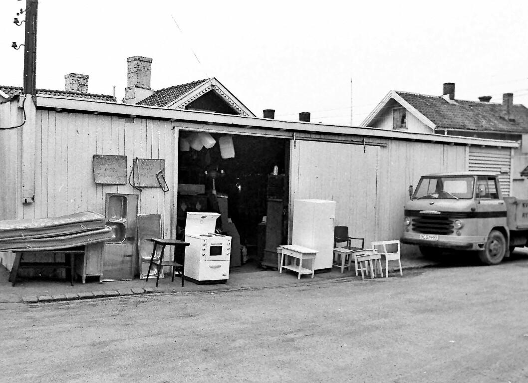 Komfyr'n hjemme hos Tor hadde paja, og det var litt skralt med kontanter akkurat for øyeblikket, og da var brukthandelen på Rodeløkka svaret. Foto: Tommy Amundsen