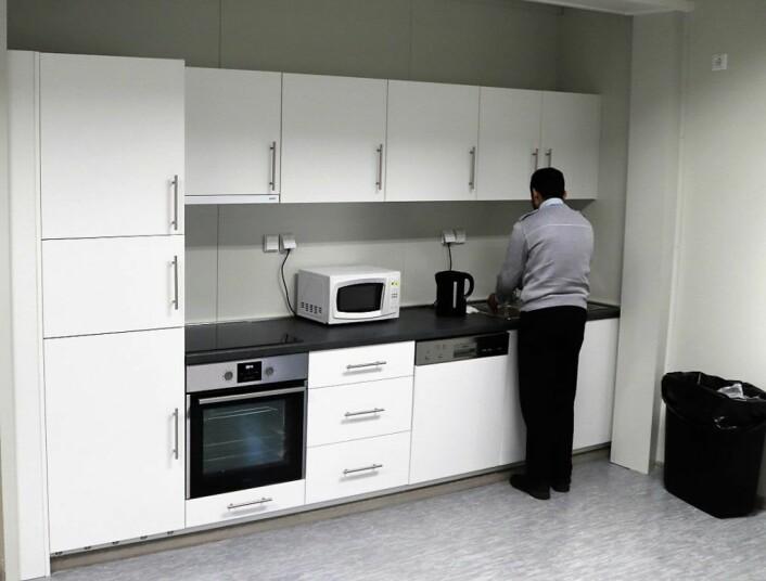 Med de nye paviljongene på plass, har bussjåførene fått et tidsriktig og moderne kjøkken. Foto: Guro Størseth