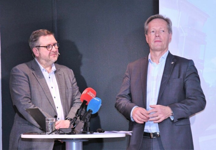 Administrerende direktør i Ruter, Bernt Reitan Jensen (t.v) og direktør i Sporveien, Cato Hellesjø gleder seg stort over utviklingen i antallet kollektivreisende i Oslo. Foto: Christian Boger