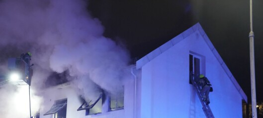 Kraftig brann i leilighet på Nordstrand slukket. En sendt til sykehus