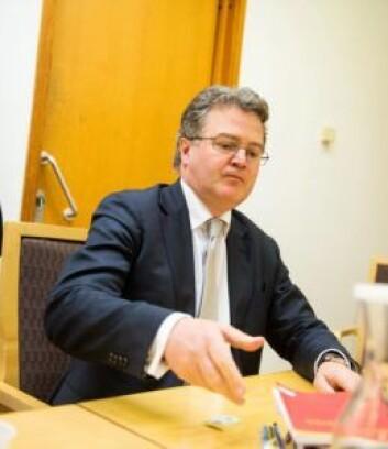 Ifølge advokat Halvard Helle er siktelsen mot teatersjefen et alvorlig inngrep mot ytringsfriheten. Foto: Fredrik Varfjell / NTB scanpix