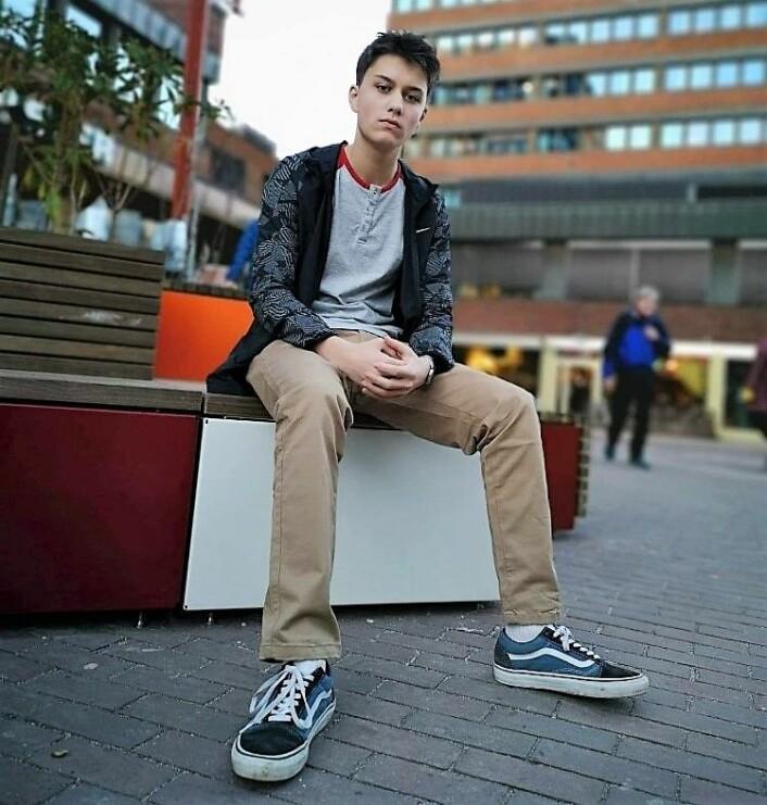 Torbjørn Nimai Thams Wulfsberg (15) ønsker seg flere ungdomstilbud som holder lengre åpent i bydelen. Foto: Privat