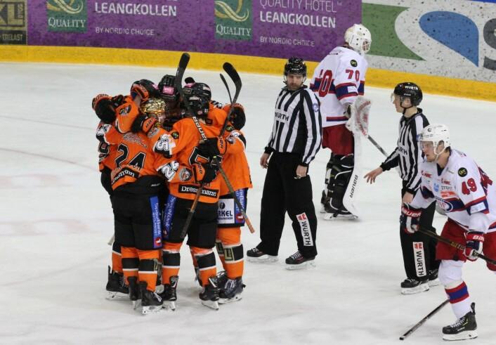 Frisk jublet først i midtperioden etter scoring av Hampus Gustafsson. Foto: André Kjernsli