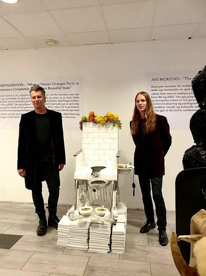 Vegard Øidvin og Frederick Lucius Nathanael presenterer utstillingen Transfiguration. Foto: Foto: Marc Kiska