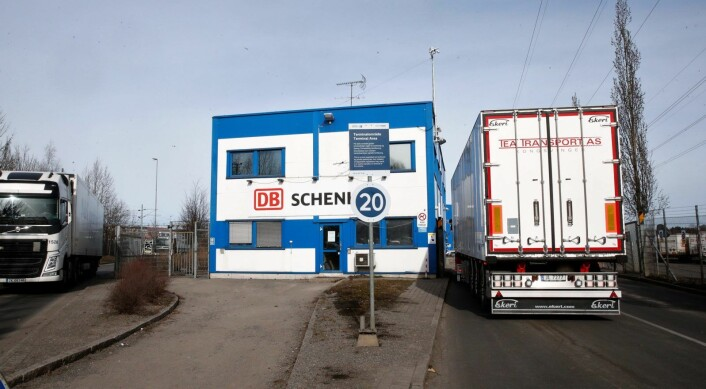 Et farlig stoff lekker ut fra et industribygg i Alnabruveien. Foto: Terje Pedersen / NTB scanpix