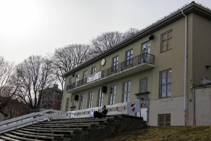 Slik ser det snart 100 år gamle klubbhuset til Grüner ut. Til neste år skal det mest sannsynlig rives. Foto: Morten Lauveng Jørgensen