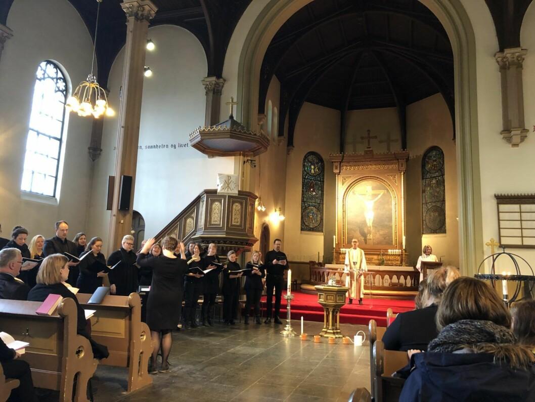 Fra den aller siste tradisjonelle gudstjenesten i Sofienberg kirke. Foto: Kjersti Opstad