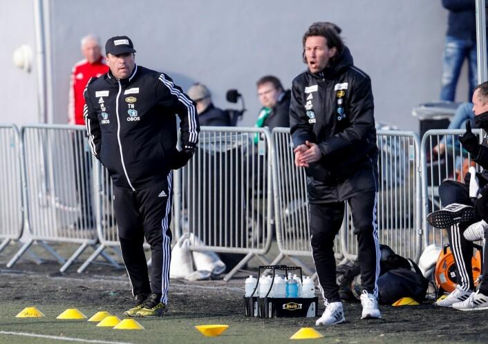 Skeid-trenere Tom Nordlie og Morten Berre under kampen mellom Skeid og HamKam. Foto: Vidar Ruud / NTB scanpix
