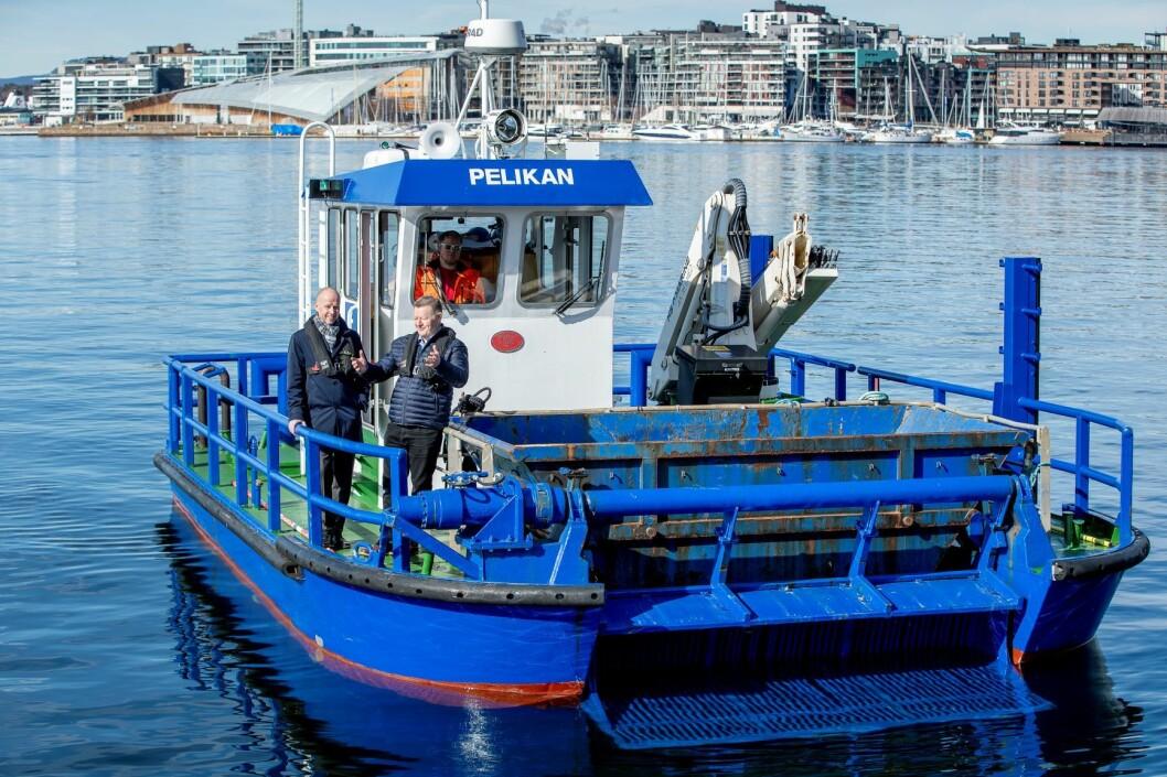 Pelikan skal få avløsning. Den nye miljøbåten blir utslippsfri og enda mer effektiv, sier havnedirektør Ingvar M. Mathisen og Bård Meek- Hansen, daglig leder i Grovfjord Mek. Verksted Foto: Bo Mathisen