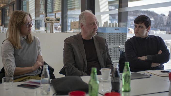 Ragna Fjeld fra Sørenga badstue- og helårsbadeanstalt sammen med direktør i Allas Raul Grünstein og lokalpolitiker Rauand Ismail (MDG). Foto: Thor Langfeldt