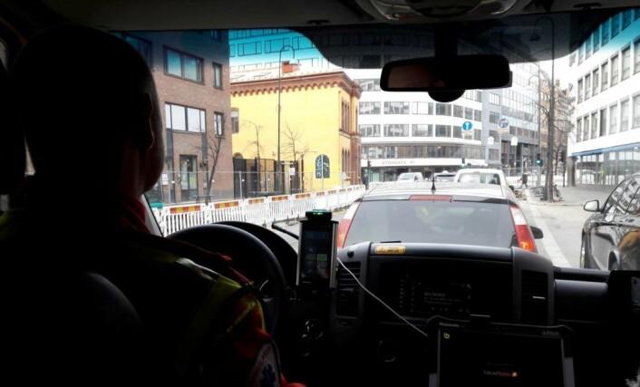 Når det er kork, kommer ikke bilene seg unna når ambulansen kommer. Foto: Anders Høilund