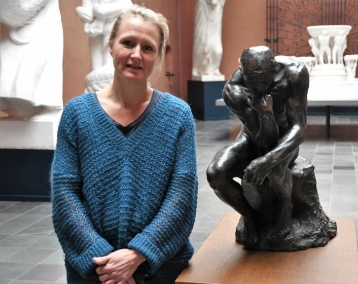 """Auguste Rodins skulptur """"Tenkeren"""" er kanskje den mest kjente skulpturen Guri Skuggen har hentet inn til jubilumsutstillingen. Foto: Christian Boger"""
