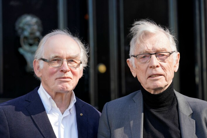 Eilif Holte (t.v) og Rolf Kåresen har jobbet fram en alternativ sykehusplan for Oslo. Planen innebærer at Ullevål sykehus bygges ut som akuttsykehus med traumesenter, Aker sykehus blir lokalsykehus for Groruddalen og Rikshospitalet beholdes som i dag. Foto: Cornelius Poppe / NTB scanpix