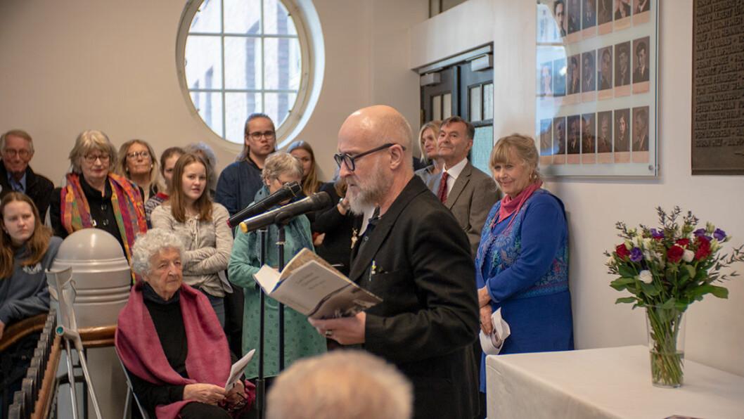 """Forfatter Lars Saabye Christensen leste om Jesper fra boka """"Byens spor. Maj"""". Foto Thor Langfeldt"""